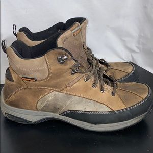 Dunham leather waterproof insulated boots Size 13